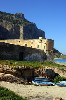 Free Ancient Tuna Fishing Building & Bay,Sicily Royalty Free Stock Images - 4931459