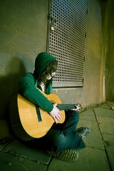 Free Young Guitar Performer Royalty Free Stock Photography - 4932707