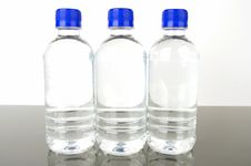 Free Bottled Water Royalty Free Stock Images - 4937189