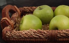 Free Apples In Basket Stock Image - 4937401