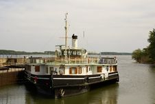 Free The River Ship Stock Photography - 4937432