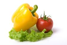 Free Yellow Paprika And Tomato Royalty Free Stock Photography - 4938757