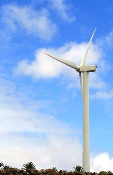 Free Wind Turbine Royalty Free Stock Image - 4942256