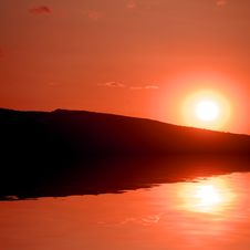 Free Reflection Of Sunset Royalty Free Stock Image - 4942736