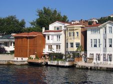 Free Homes Along The Bosporus Turkey Stock Photography - 4944322