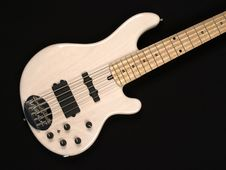 Free White Bass Guitar Body 1 Royalty Free Stock Images - 4945709