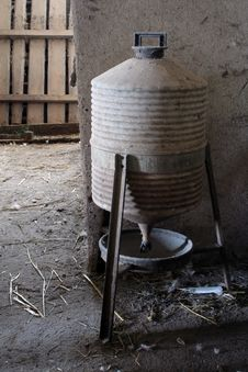 Free Old Chicken Feeder Stock Images - 4945984