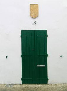 Free Green Wooden Door Royalty Free Stock Photo - 4951635