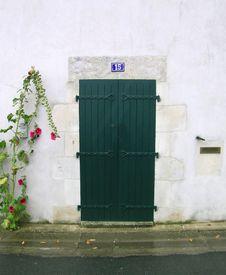 Free Green Wooden Door Royalty Free Stock Photo - 4951815