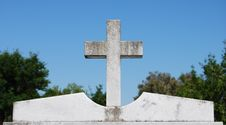 Free Cross On Top Of Tombstone Stock Photography - 4952472