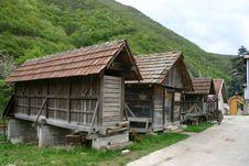 Free Serbian Monastery Royalty Free Stock Photos - 4954368