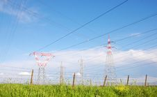 Electricity Pylon And Power Ca Royalty Free Stock Images