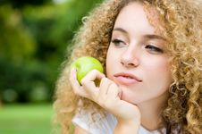 Free Girl And Apple Stock Images - 4957714