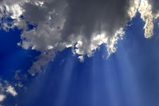 Free Rays Of Light In Blue Sky Stock Photography - 4963372