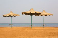 Free Three Beach Umbrella Royalty Free Stock Images - 4964229