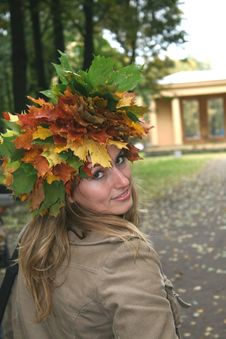 Free Girl In A Wreath Stock Images - 4970374