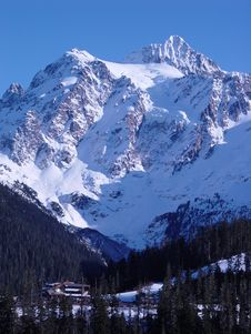 Free Winter Mt Shuksan Royalty Free Stock Photography - 4971617