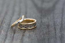 Free Wedding Rings Royalty Free Stock Photos - 4973358