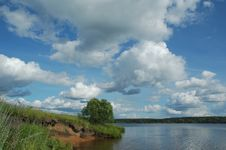 Free Volga River Royalty Free Stock Image - 4973426