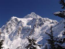 Free Mt Shuksan Blue Sky Stock Images - 4978654