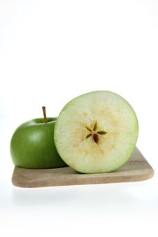 Free Cut Fresh Green Apple Royalty Free Stock Photos - 4981788