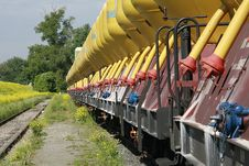 Free Rail Transport With Yellow Silos Royalty Free Stock Photography - 4985287