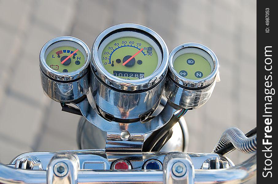 Speedometer shows max