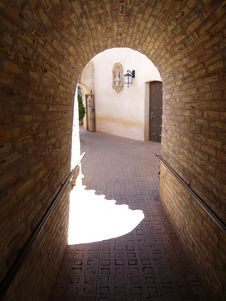 Free Old Archway Royalty Free Stock Photography - 4990757