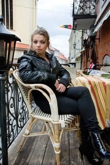 Free Portrait Of The Girl In Street Cafe Royalty Free Stock Images - 4993249