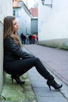 Free Portrait Of The Girl Near Wall Stock Photography - 4993652