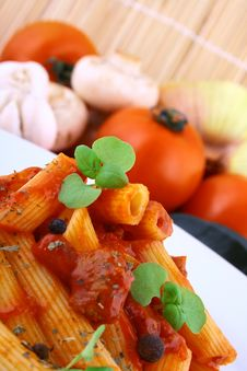 Free Rigatoni Pasta Royalty Free Stock Images - 4995469