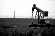 Free Pump Jack In Field Royalty Free Stock Photo - 4998645