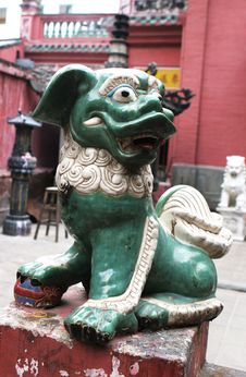 Free Statue At A Vietnamese Temple Stock Images - 4999254