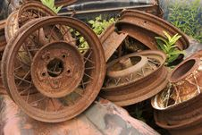 Free Rusted Wheel Rims Royalty Free Stock Photography - 500727