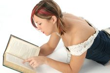 Free Woman Reading Book Stock Photos - 501033