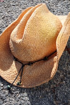 Free Hat On The Ground Royalty Free Stock Photo - 501765