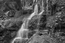 Free Park Waterfall In Black & White Royalty Free Stock Photos - 5001528