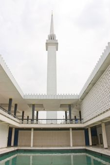 Free Malaysian Mosque Royalty Free Stock Photo - 5002175