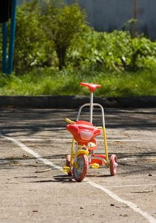 Free Child Bicycle Royalty Free Stock Photography - 5002317