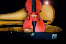 Free Antique Violin Stock Image - 5002861