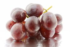 Free Red Grapes With Reflection Royalty Free Stock Image - 5003346