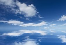 Free Abstract Basckground With A Blue Sky Royalty Free Stock Photography - 5003527