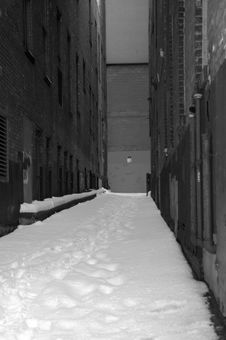 Free Snow Filled Alley Royalty Free Stock Image - 5005756
