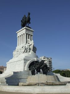 Free Monument In The Havana Bay Tunnel Entrance Stock Photos - 5021073