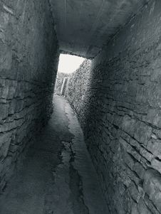 Free Stone Tunnel Royalty Free Stock Image - 5022896
