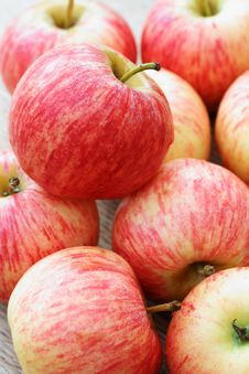 Free Red Apples Royalty Free Stock Image - 5023836