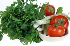 Free Fresh Tomato, Onions, Parsley Royalty Free Stock Photography - 5025937