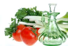 Free Fresh Tomatoes  And Parsley Royalty Free Stock Images - 5026009
