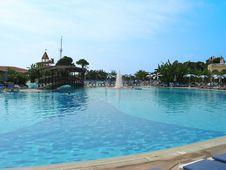 Free Swimming Pool Stock Photos - 5027293