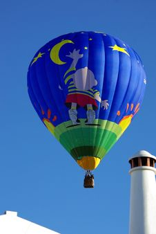 Free Hot Air Balloon . Royalty Free Stock Photos - 5030998